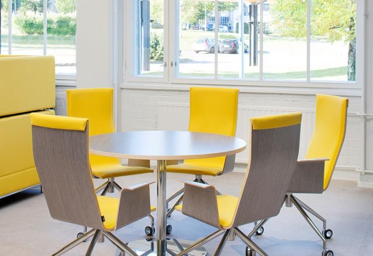 Duo-tuoli keltainen